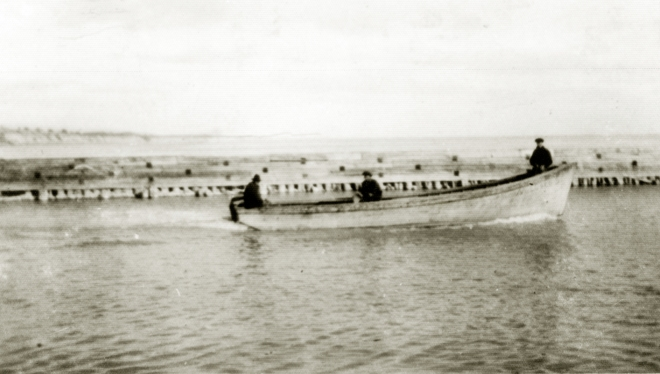 Pound Boat circa1920.jpg
